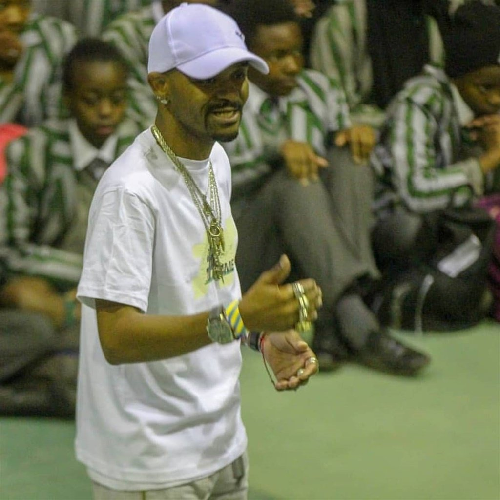 Welcome Witbooi tells school children his story, w