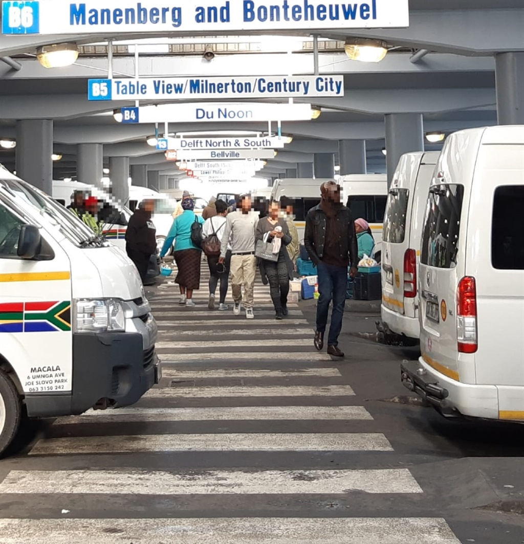 News24.com | Urgent meeting to resolve stand-off between Cape Town taxis and authorities
