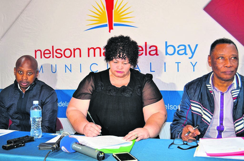 The current budget for the Roads and Transport Directorate was recently discussed at a media briefing. From left are MMC for Infrastructure, Engineering, Electricity and Energy, Andile Lungisa, MMC for Roads and Transport, Rosie Daaminds and Executive Directorate, Walter Shaidi.            Photo:KAILIN DANIELS