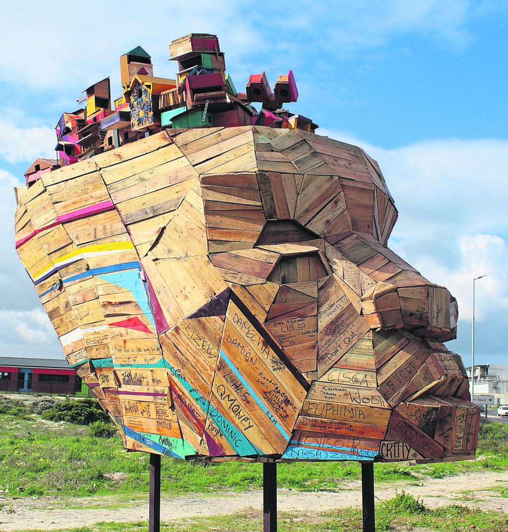 The Ship of Ubuntu is created with a face to represent the community looking towards the future.