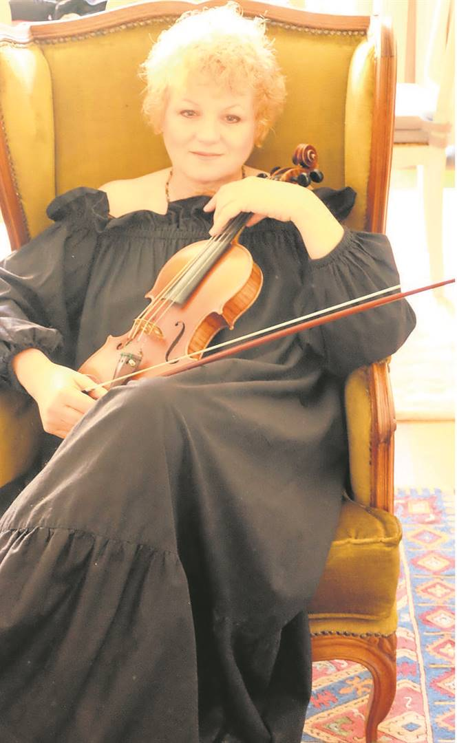 Violinist Gina Beukes takes the audience on a journey through the story of Chopin's lover, George Sands, to the first woman to go into space.