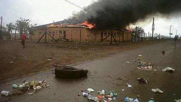 A community hall was burnt down in the KwaMsane area as residents protested over the non-delivery of water in the uMkhanyakude district.