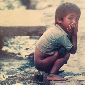 A young child uses a canal as a toilet in Nepal. Copyright: Health24/B Swanepoel