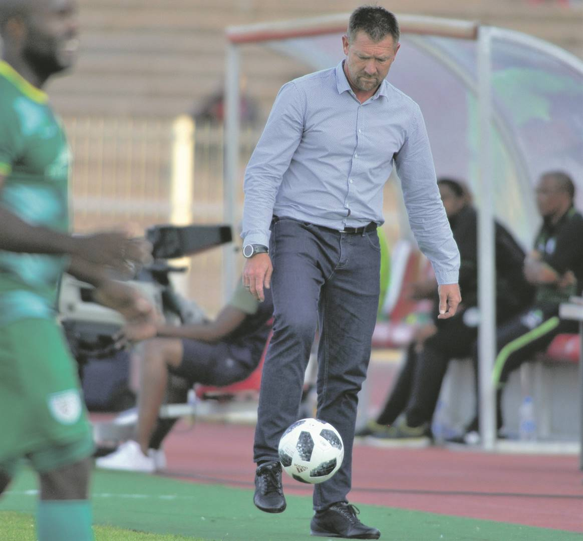Maritzburg United say coach Eric Tinkler is working hard to get his mixture of old and new players to gel for Absa Premiership business.PHOTO: gallo