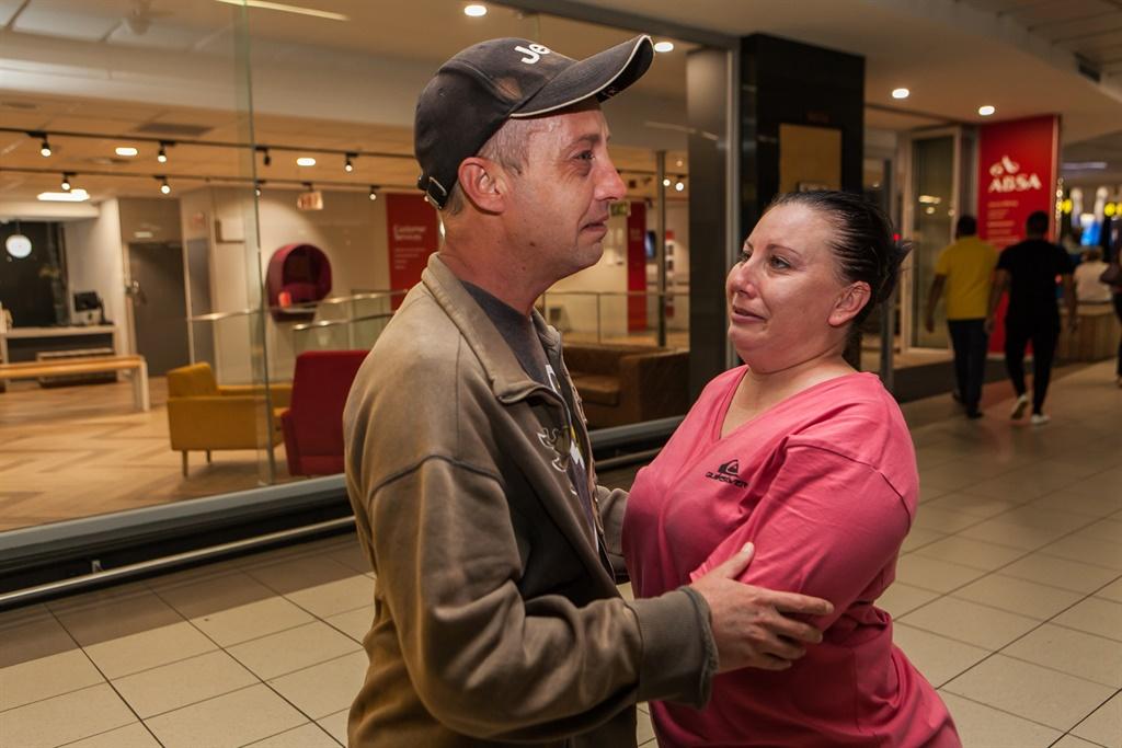 Jan wasop die lughawe toe Marietjie uit Mauritius