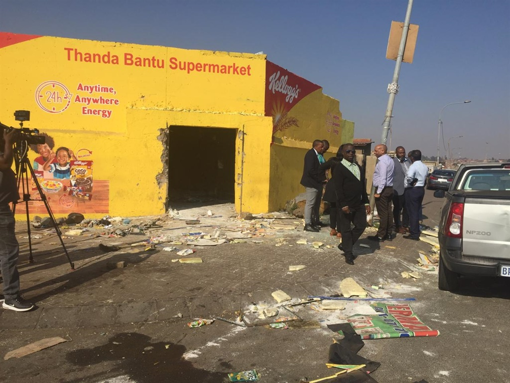 One of the many shops looted overnight in Soweto.(Sesona Ngqakamba,News24)