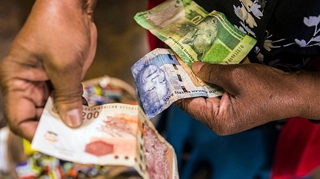 One might start to see the real damage of the pandemic to the SA economy reflected in salary payments. (Getty Images)