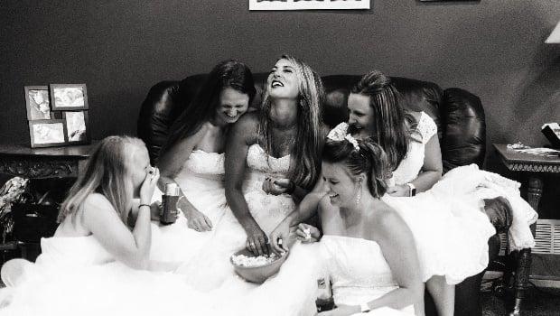 Widow recreates Friends wedding dress scene after husband's tragic death