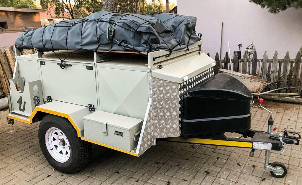 Bakkies Kruger built his own bush trailer!