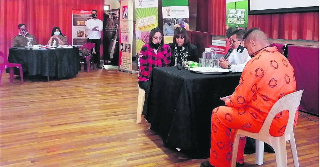 A re-enactment of a Victim Offender Dialogue held by Hope Prison Ministry during a victim rights' seminar at the Pollsmoor management area recreation hall on 22 September. PHOTO: Nettalie Viljoen