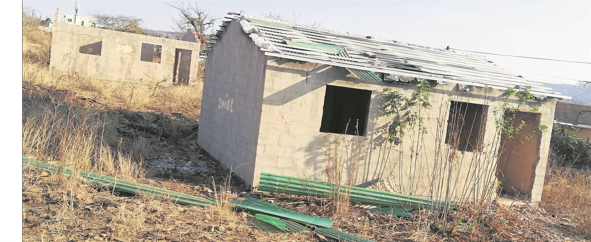 One of the unfinished RDP houses in Imbali Unit 2. Residents claim that criminals and drug addicts use the unfinished houses to hide from the community.PHOTO: lethiwe makhanya