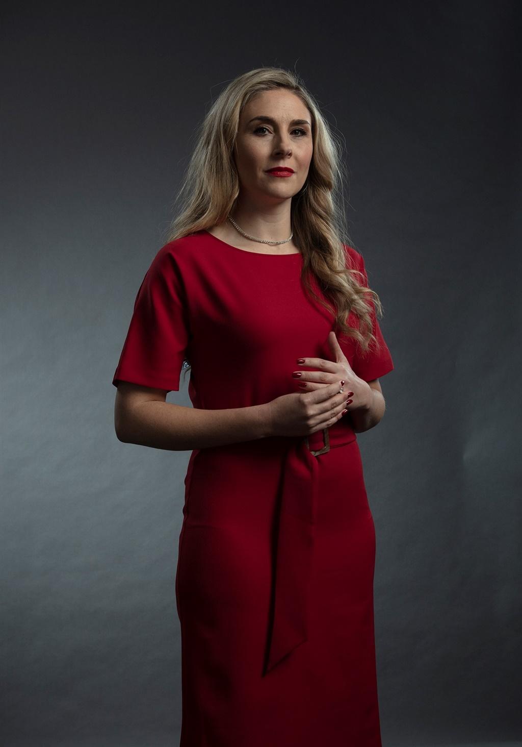 Carine Rous as die advokaat Rachel Bishop in die d