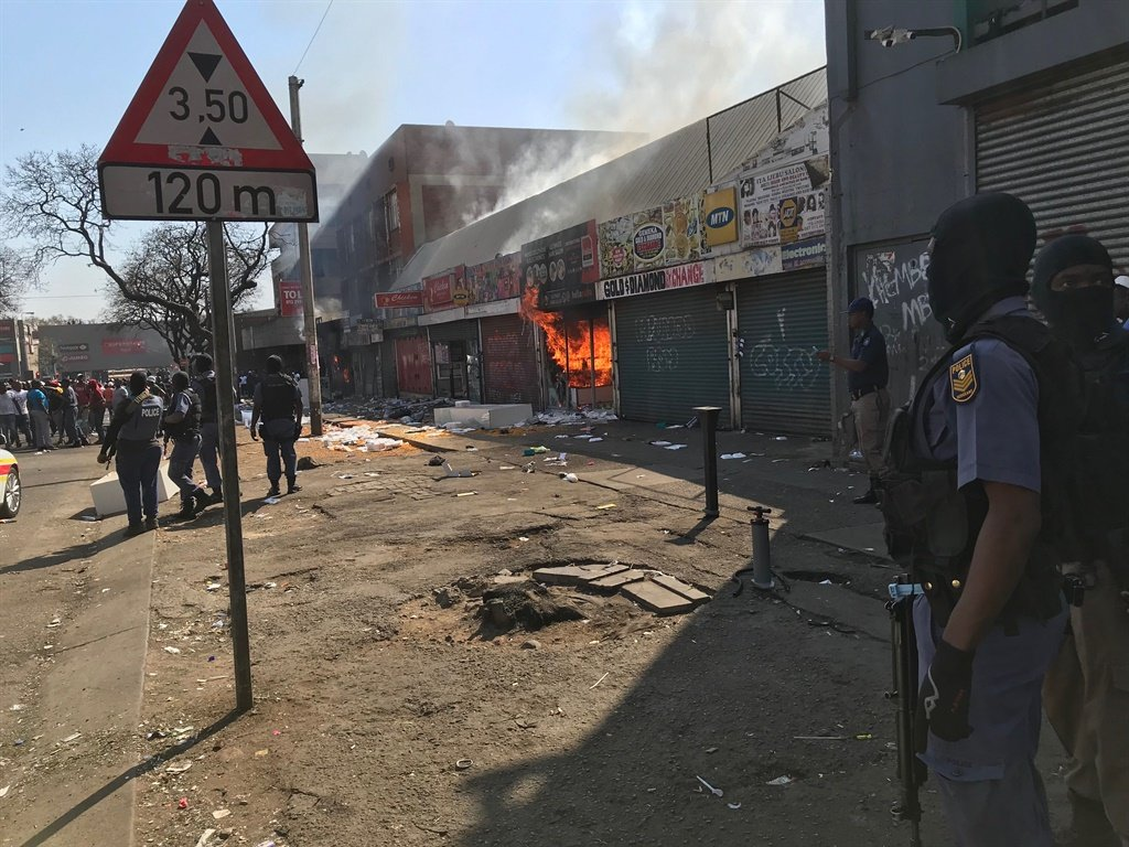Magashule on Gauteng violence: 'This is not xenophobia, thugs are taking chances'