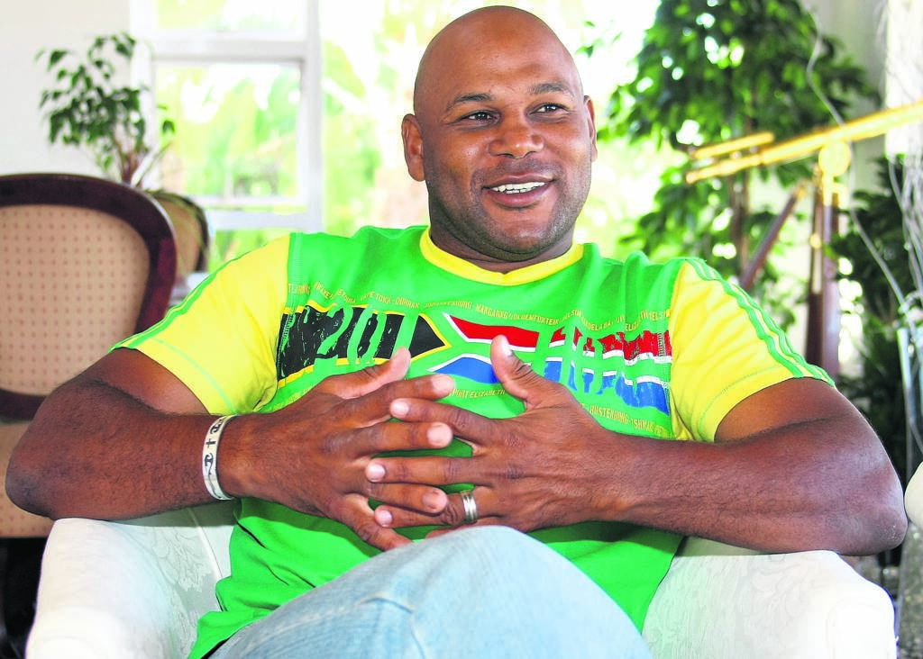 Chester Williams in a jovial mood at home in Plattekloof. PHOTO: WILLIAM MCINTOSH/KAAPSE SON