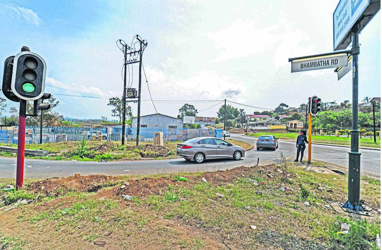 The side road leading from Bhambatha Way to Allandale Drive may be closed within the next two weeks if land issues between a local businessman and the Msunduzi Municipality are not soon resolved.