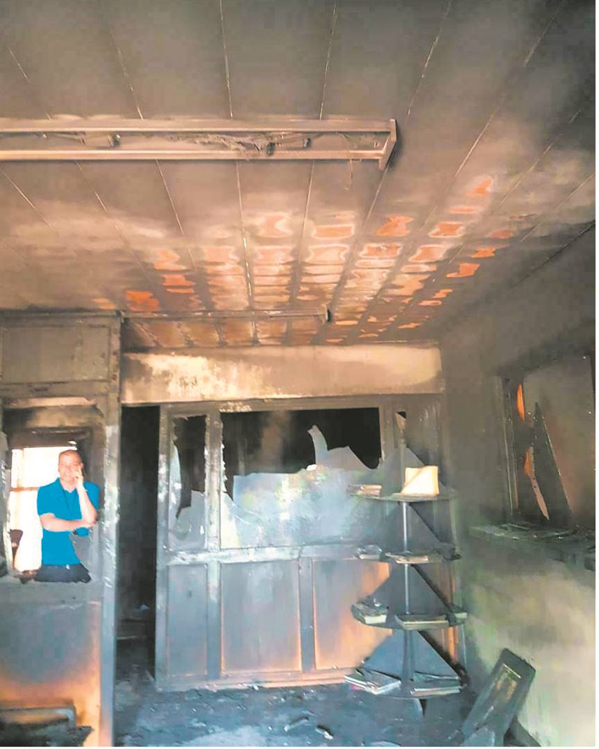 Fire damaged a building of the Free State Department of Sport, Arts, Culture and Recreation in Bloemfontein on Sunday (22/09). Photo: Supplied