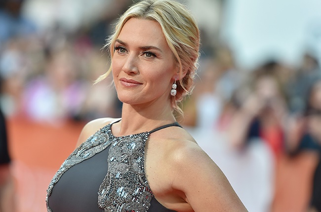 Kate Winslet spreads her fins in underwater set photo from 'Avatar 2'