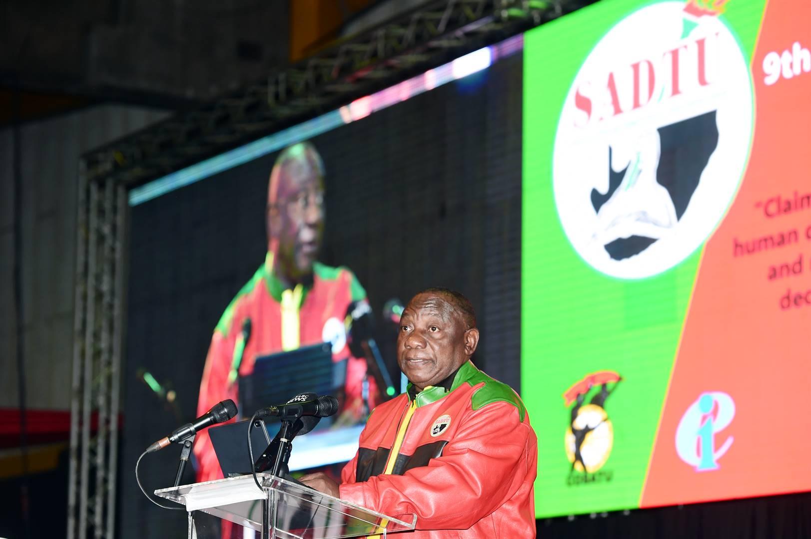 Onderwysers, u is ouers vir kinders, nie liefhebbers nie - Ramaphosa - News24