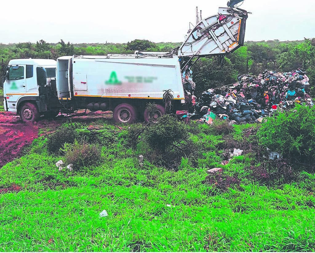 Waste may be disposed of only at a licensed landfill site or approved municipal drop-off site. A fine of up to R2 000 may be imposed for illegal dumping. This garbage truck was caught in action by a passerby on the R367 between Despatch and Koedoeskloof, illegally dumping its load next to the road. The incident was reported to the relevant authorities. Report Illegal Dumping immediately to 0800 20 50 50 (all hours) or 041 506 2833 (office hours) alternatively at the Waste Management Depot closest to where the dumping took place: Addo Road (Motherwell/Bluewater Bay) 041 506 2521 or Cuyler Street (Uitenhage/Despatch) 041 994 1137. The following must be reported: vehicle registration number; vehicle make and colour; time and place of offence; information of what was dumped. Photos of the incident will strenghten the case and can be emailed to wastecctv@mandelametro.gov.za              Photo: FACEBOOK