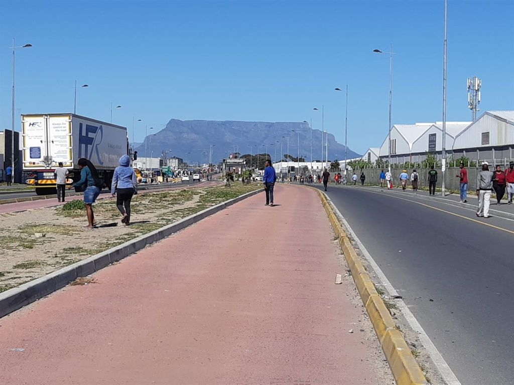SANDF rolls into Dunoon, but not to stop protests, say Western Cape police