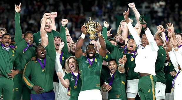 Siya Kolisi lifts the Web Ellis Cup after the Boks beat England 32-12 in the world cup final on Saturday. (Getty Images)