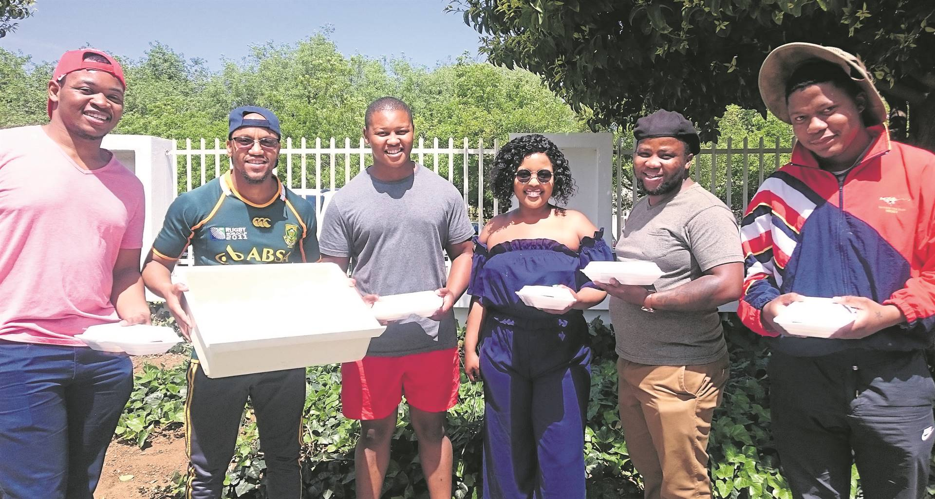 Representatives of Carriers of Hope and Man_Up teamed up to help alleviate the distress of some of Bloemfontein's homeless residents by connecting with them and donating food hampers on 28 September. From the left are Mihlali Songcaka, Amogelang Modise, Lebohang Sedio, Letshego Segalo, Keketso Mokoena and Jabulani Ntobi. Carriers of Hope undertakes this humanitarian gesture on Saturdays. Photo: Khumiso Dithebe