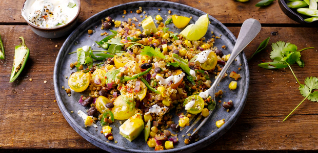 Spicy mexican-style quinoa with cowpeas and avocad
