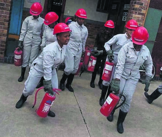 Grade 9 learners from Sibelius High School were given the opportunity to learn about fire and safety.