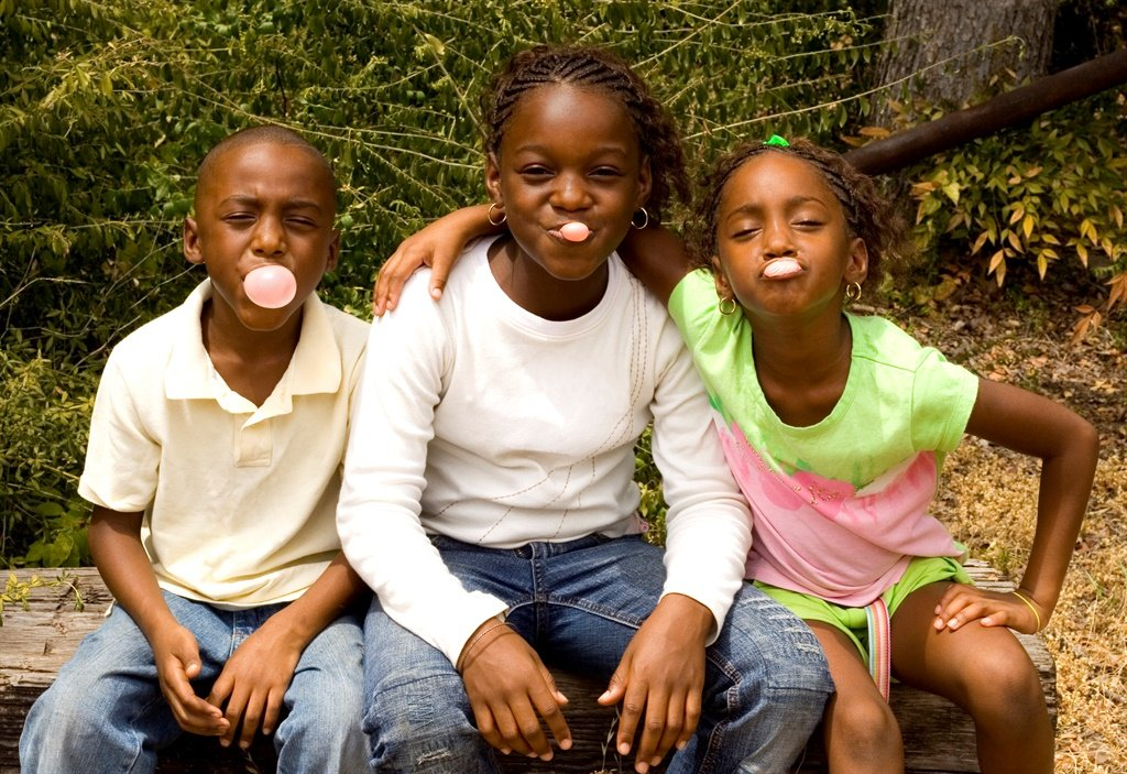 bubblegum contest between three cousins