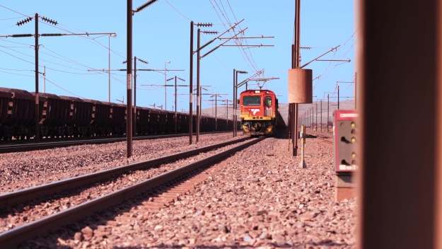 Transnet 375 wagon manganese carrier, which travels the line between Sishen and Saldanha.