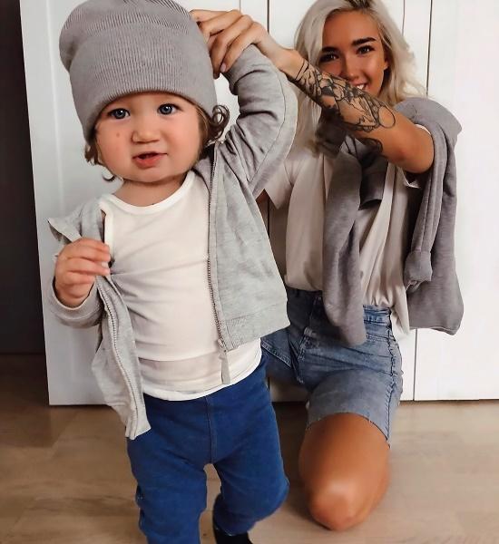 Ekaterina Mezenova and her son. (Photo: MEDIADRUMW