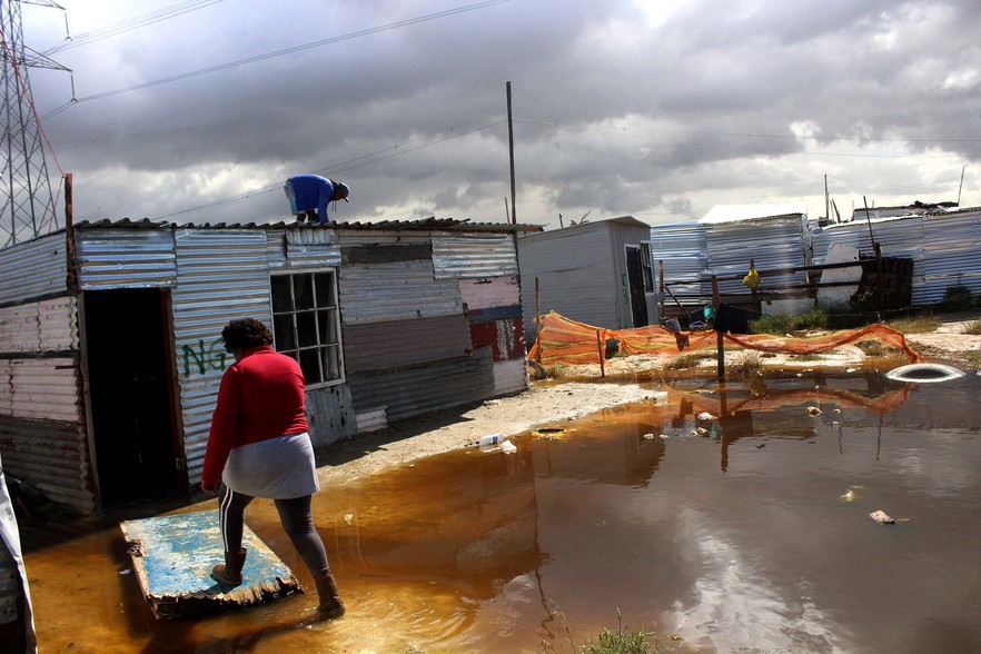 Cape Town residents battle spring floods - News24