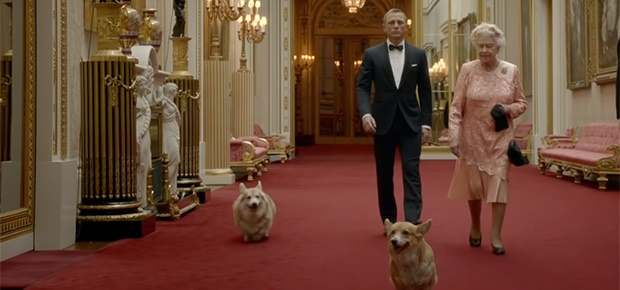 Daniel Craig as James Bond with Queen Elizabeth (Photo: YouTube: Olympic Channel)