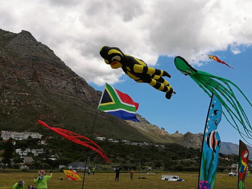 Kiters from seven countries – Bulgaria, Germany, Italy, the Netherlands, Turkey, the UK and South Africa – flew their kite creations at the 25th Cape Town International Kite Festival.