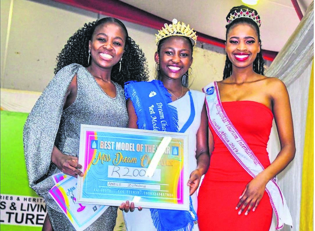 Dream Chasers Academy CEO Londeka Madlala (left) with Miss Teen Dream Chasers Anele Madlala­ (centre) and Miss Global Tourism International South Africa 2019 Mandisa Gasa­.PHOTO: supplied