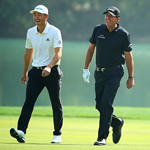 Li Haotong and Phil Mickelson (Getty Images)