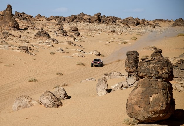 Mini's French driver Stephane Peterhansel and his Portuguese co-driver Paulo Fiuza compete during the Stage 4 of the Dakar 2020 between Neom and Al-Ula, Saudi Arabia, on January 8, 2020. FRANCK FIFE / AFP