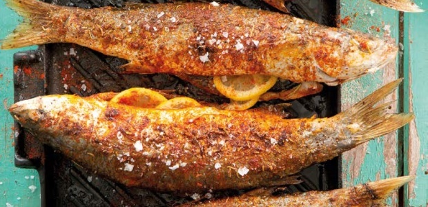 Spicy grilled fish with lemon