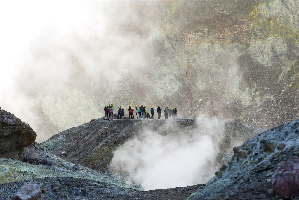 New Zealand to attempt risky mission to recover bodies on volcanic island