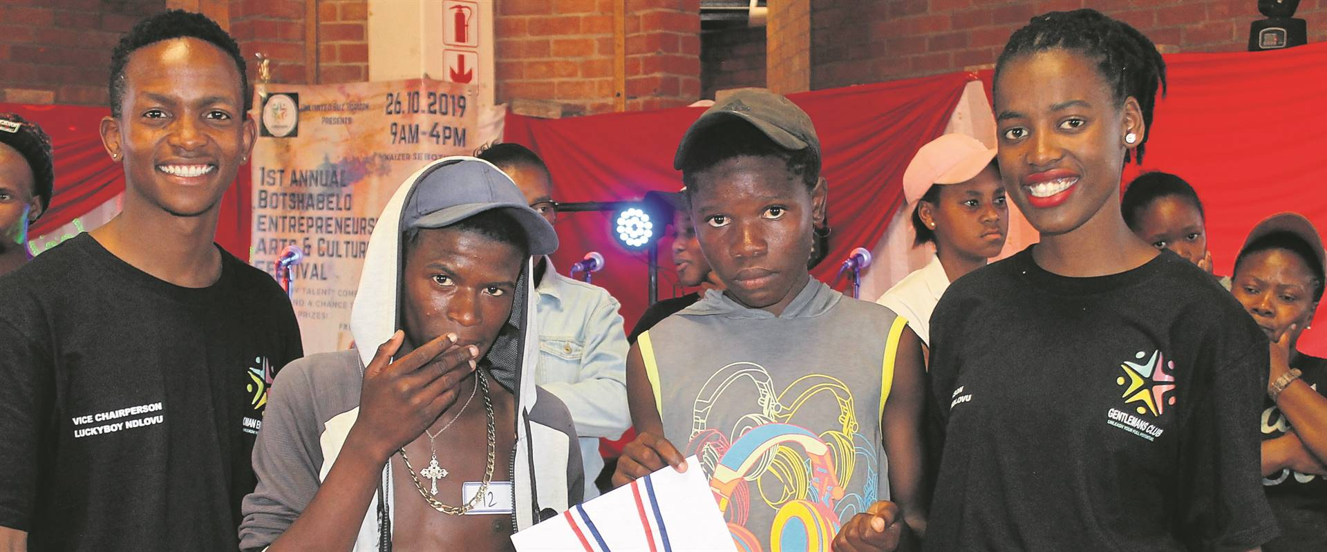 The Botshabelo Entrepr­eneurship, Arts and Culture Festival marked its first anniversary hosting a series of events for participation by the youth. This was held recently (26/10) in Section H and saw the best performers receive prizes and awarded certificates by the organisers, Unlimited Buz Horizon (UBH) and Kutanga, organisations led by students studying at higher academic institutions in the Free State. From the left are Luckyboy Ndlovu (deputy chairperson of UBH), Tumelo Mokhoati, Tokelo Taaibos (winners) and Nozipho Ndlovu (UBH chairperson). Photo: Supplied