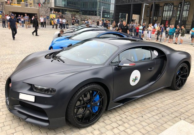 Watch This Reader Saw The Bugatti Convoy In Cape Town And Lost