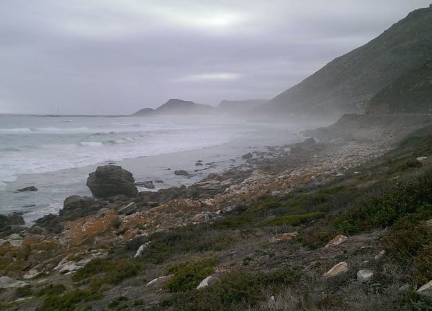 Body of decomposed man clad in wetsuit, flippers found on Cape Town beach