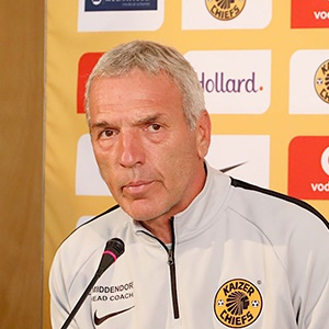 Middendorp: Chiefs aren't letting the title slip away - Sport24