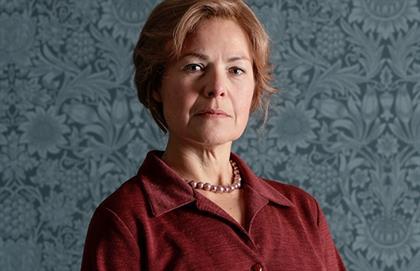 Anna-Mart van der Merwe as Antoinette.
