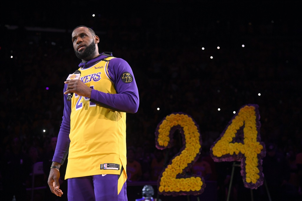 The LA Lakers left 2 empty seats for Kobe and Gianna Bryant, and gave out 20,000 Bryant jerseys at the emotional first game since his death - Business