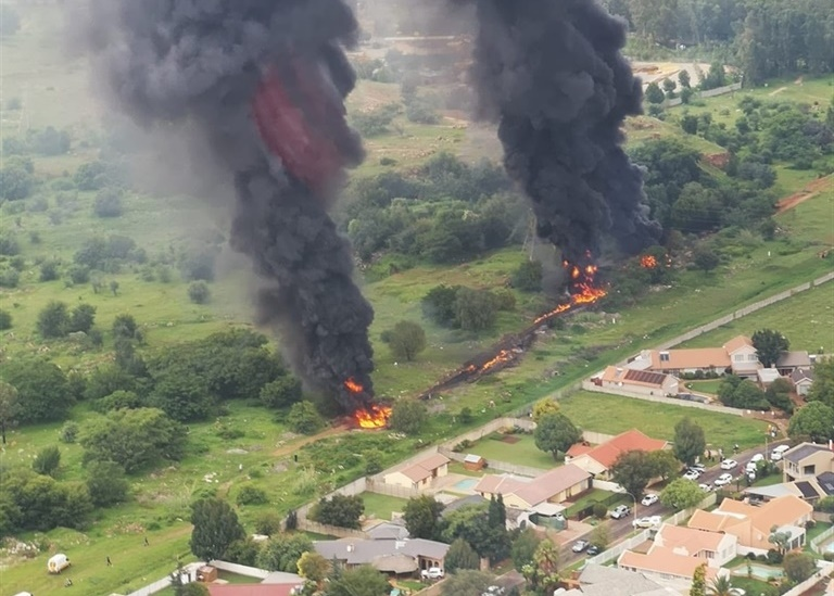 A gas pipeline caught fire in Alberton. (Supplied/Sourced: Black Hawk Tactical)