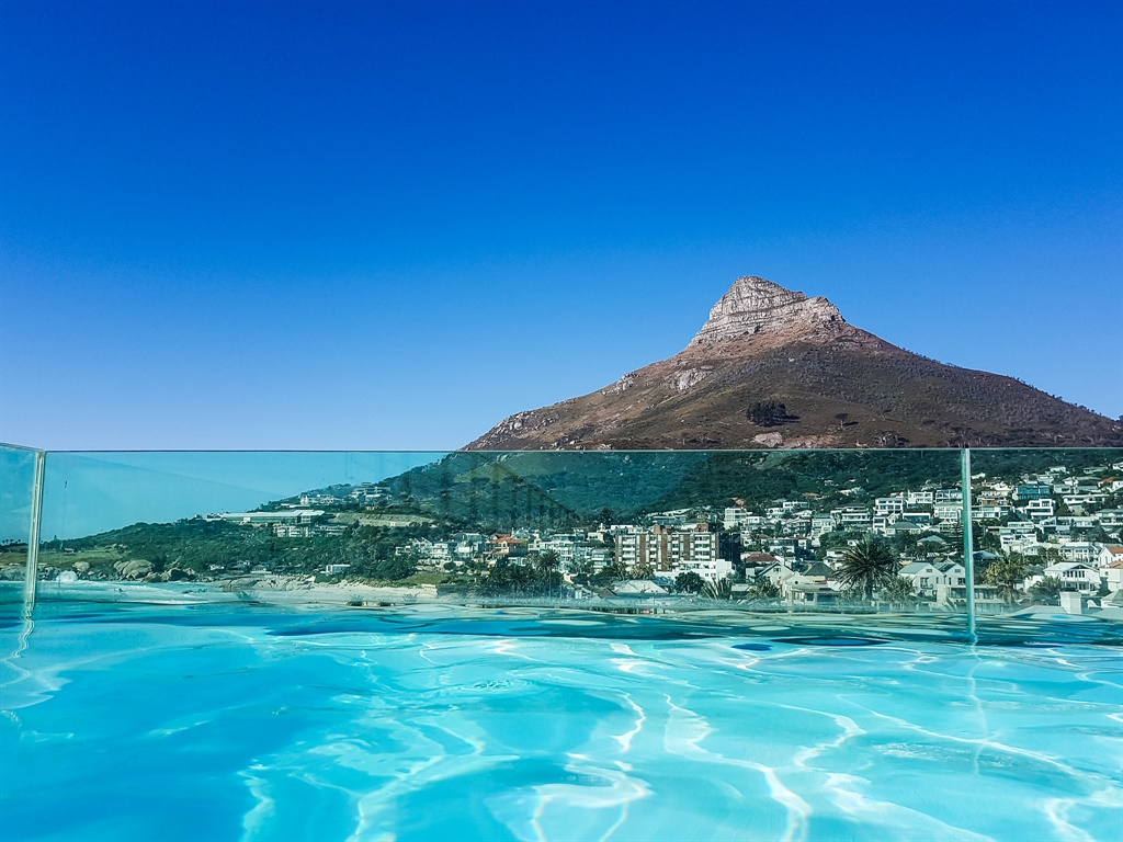 rooftop pool overlooking lion's head in camps bay