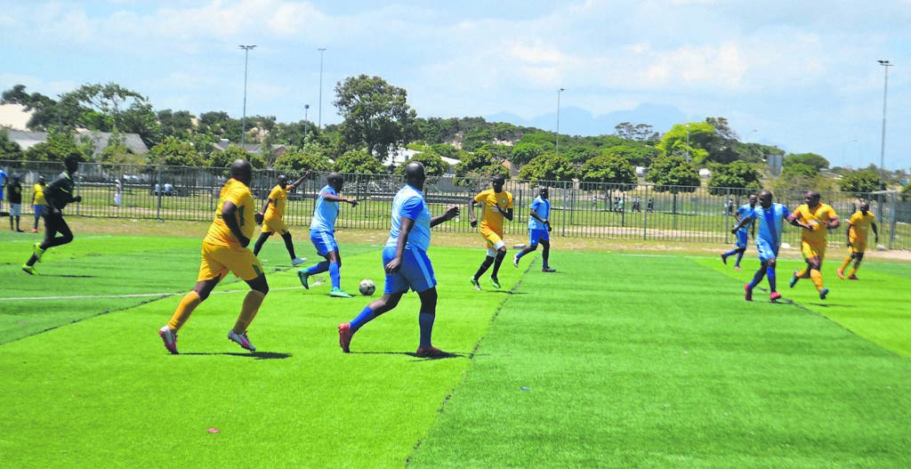 Nopoli FC (blue kit) attacking during legends friendly game against Kraaifntein FC (yellow).PHOTOS: UNATHI OBOSE