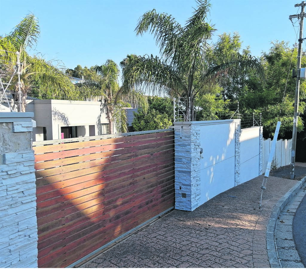 The City of Cape Town has turned down a proposed development of 47 flats at 5 to 8 Berwick Road. The developer has appealed the decision.PHOTO: Nettalie Viljoen