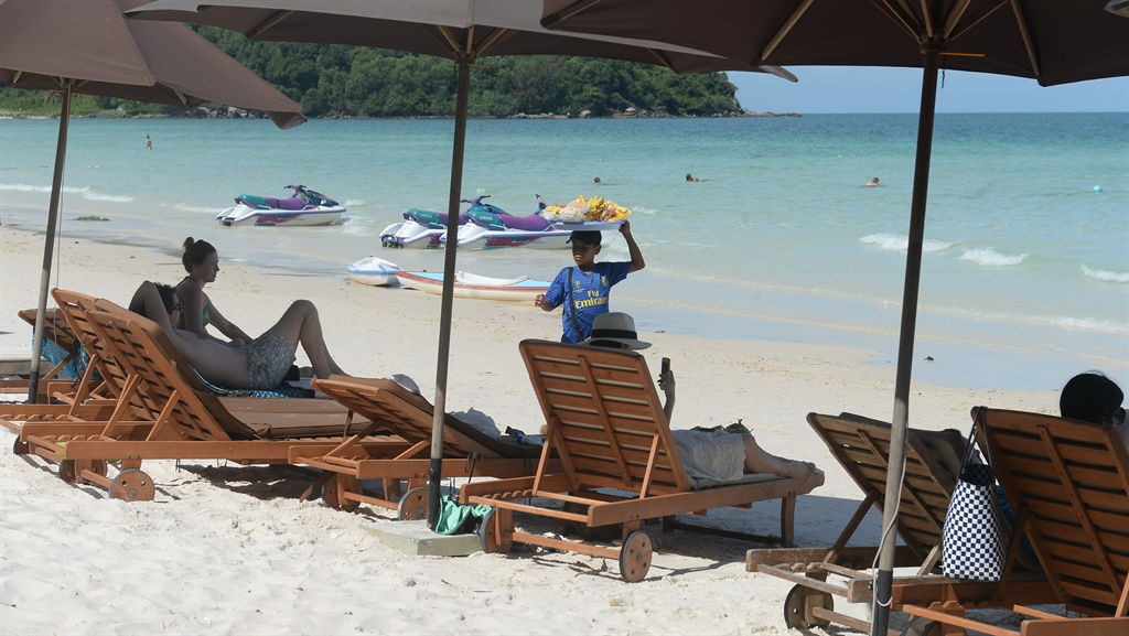 File photo: Tourists on a beach on Phu Quoc island in southern Vietnam. (Hoang Dinh Nam, AFP)